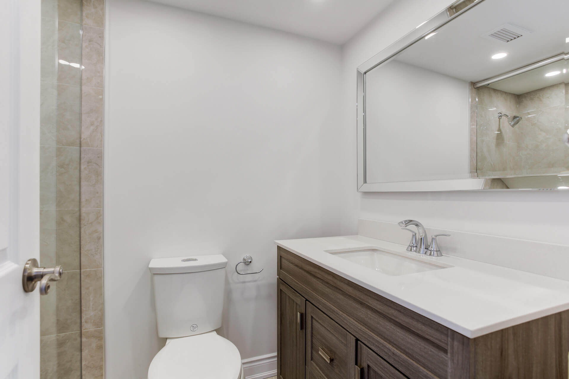 bathroom remodeling on Townsgate Drive Thornhill