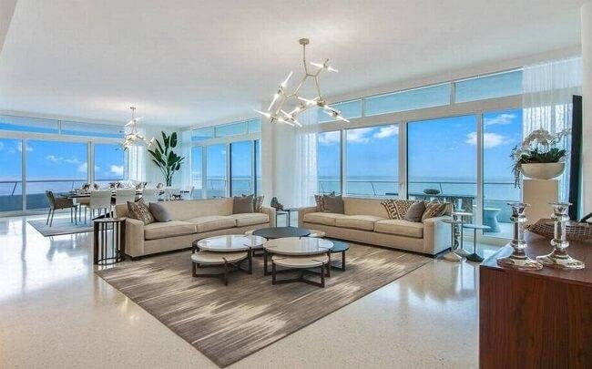 Modern Condominium In Miami Beach